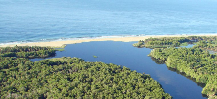 Laguna de Manialtepec en el estado de Oaxaca, México.
